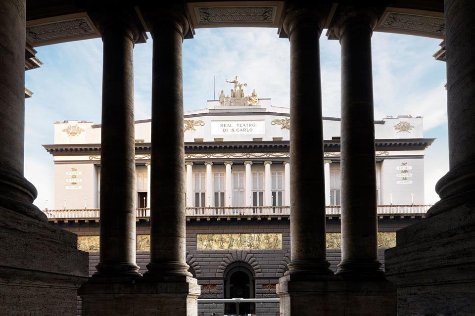 Cavalleria Rusticana La Facciata Del Teatro San Carlo
