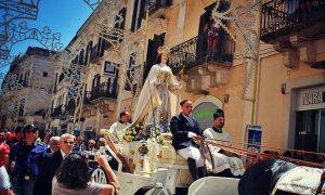 Festa Della Bruna Immagine Di Coperina