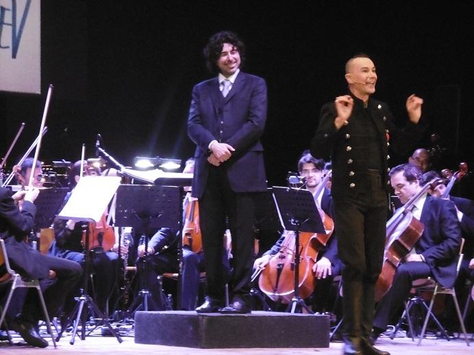 Arturo Brachetti durante una sua performance a matera