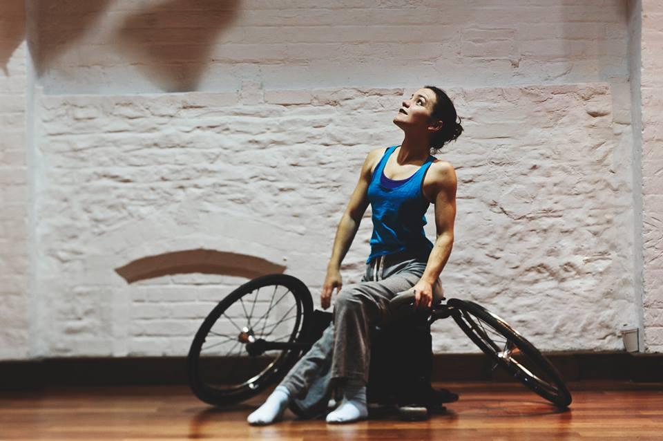 British Council - una danzatrice in carrozzina