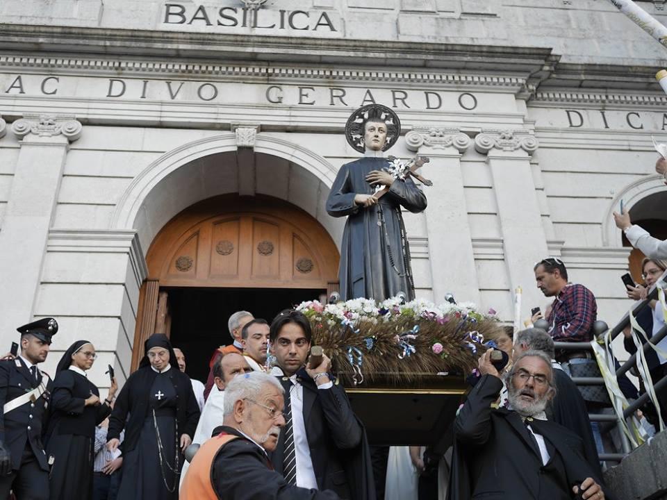 San Gerardo - l'effige sacra esposta ai fedeli