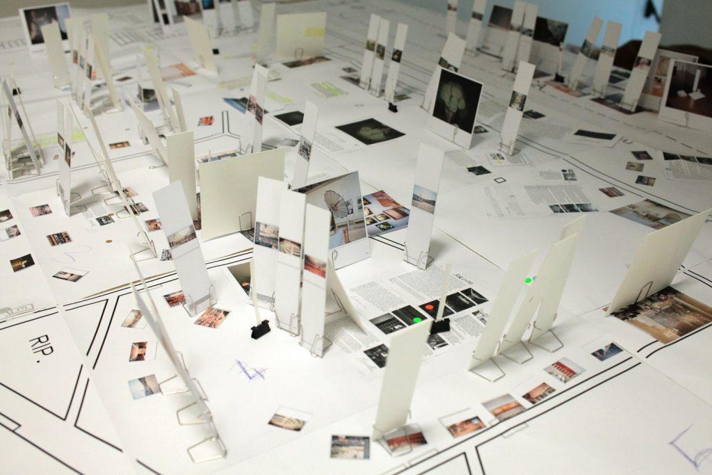 Blind Sensorium - Foto Di Una Mostra appena allestita