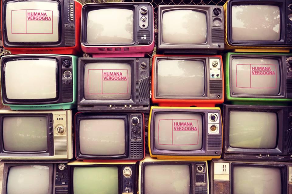 tante televisioni una sopra l'altra
