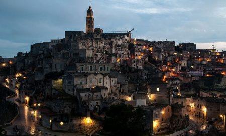 promuovere il turismo a Matera - Matera in notturna da visitare