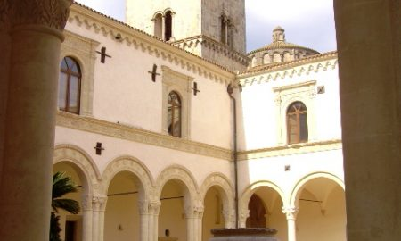 Abbazia benedettina di Montescaglioso - veduta dal chiostro