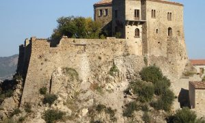 Il Castello Di Valsinni - foto panoramica del castello lucano