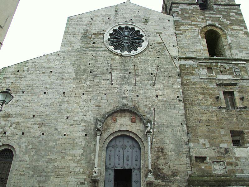 La cattedrale di Acerenza - Portale della cattedrale lucana