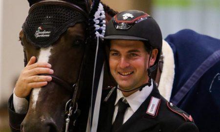 Emanuele Gaudiano - Con Il Cavallo in posa