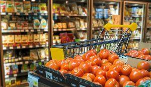 La giornata dell'alimentazione - Supermercato con generi alimentari