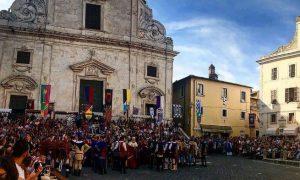 Cropped Su In Piazza Il Giorno Di Santegidio .jpg