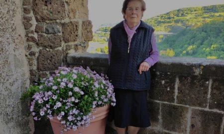 Nonna Rina e le sue margherite