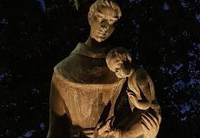 La statua di Sant'Antonio