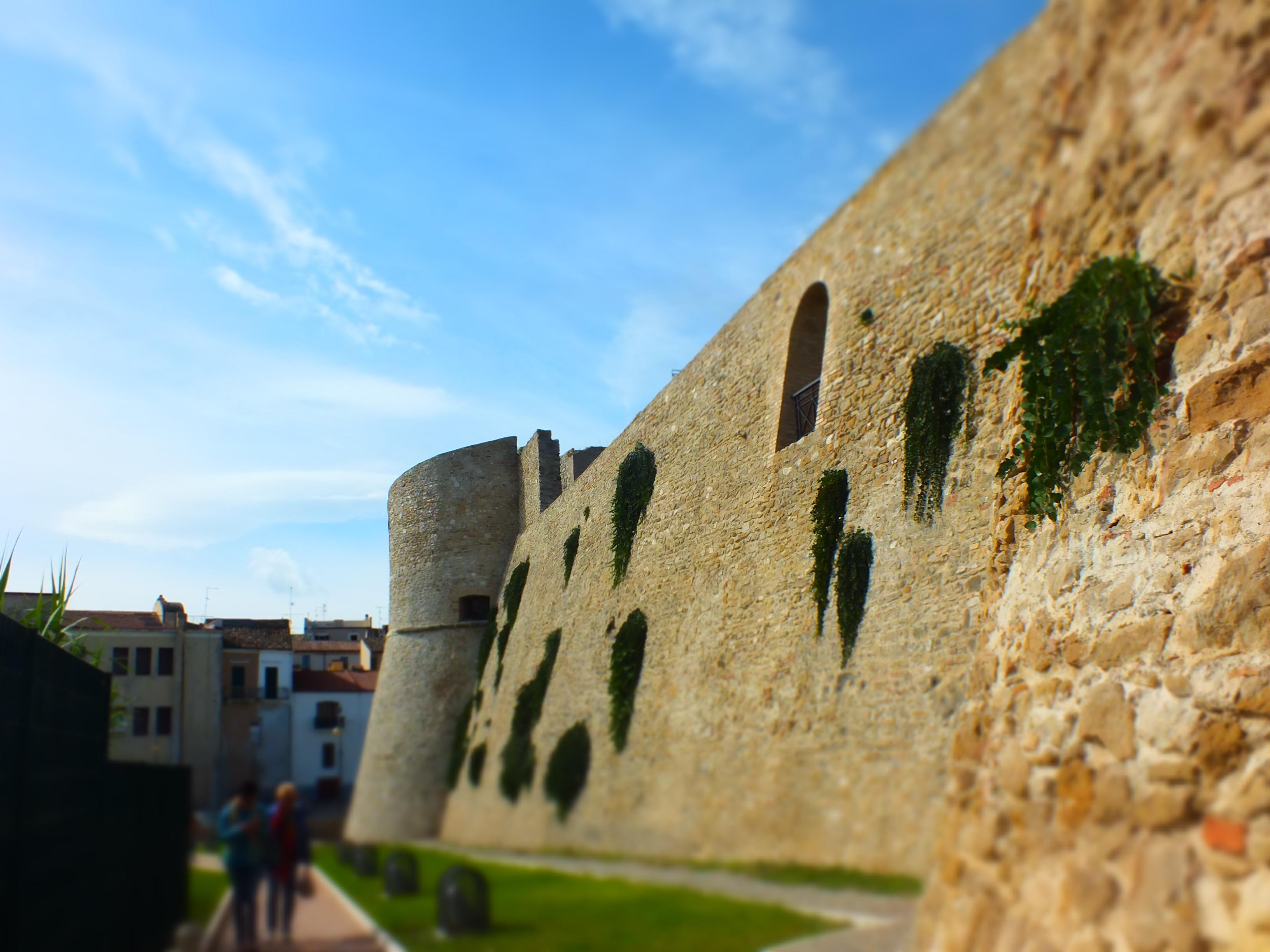 Le mura del castello di Ortona