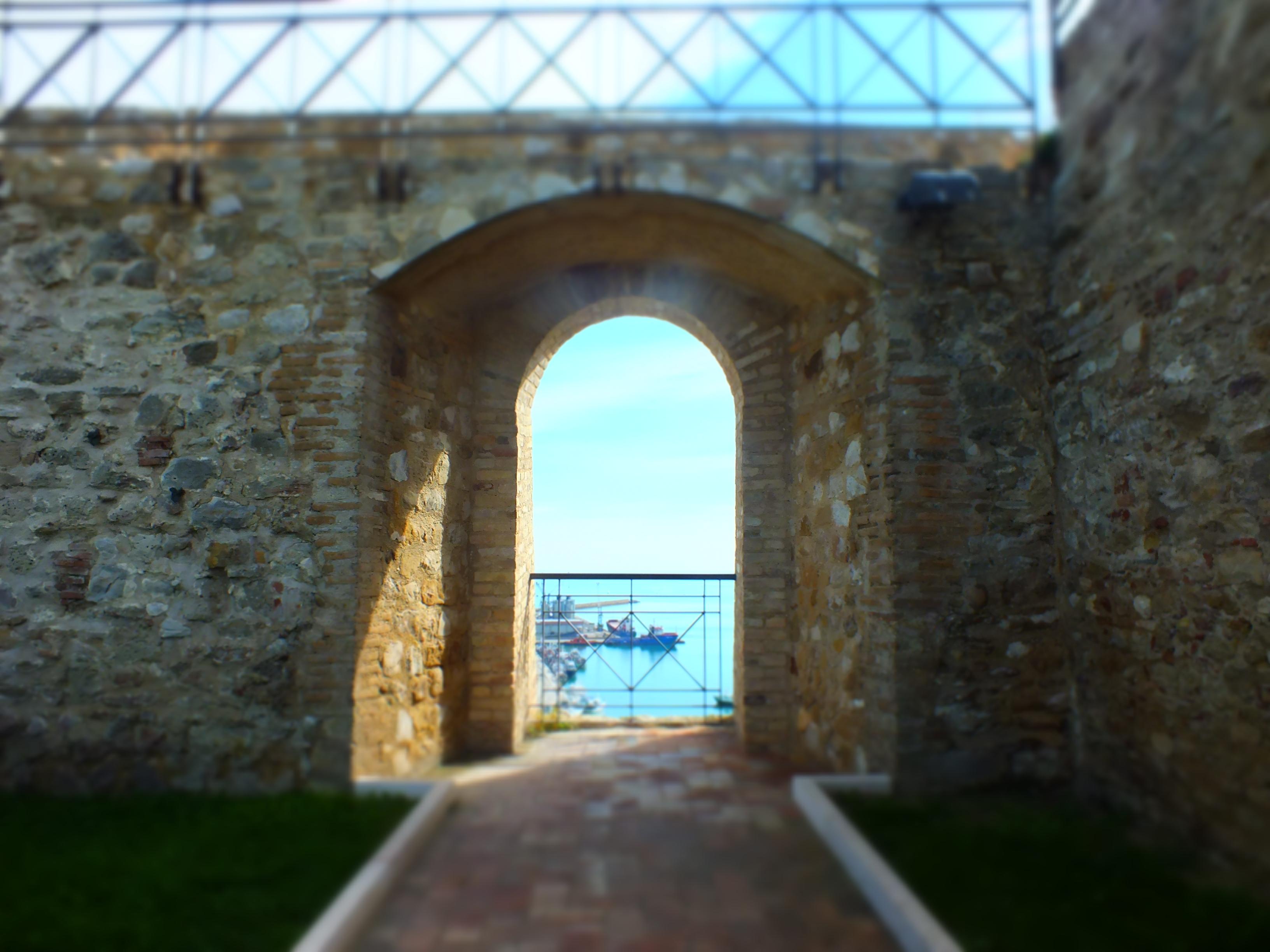 Il porto visto dal castello di Ortona