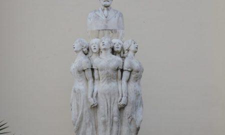 Il monumento a F.P. Tosti a Ortona
