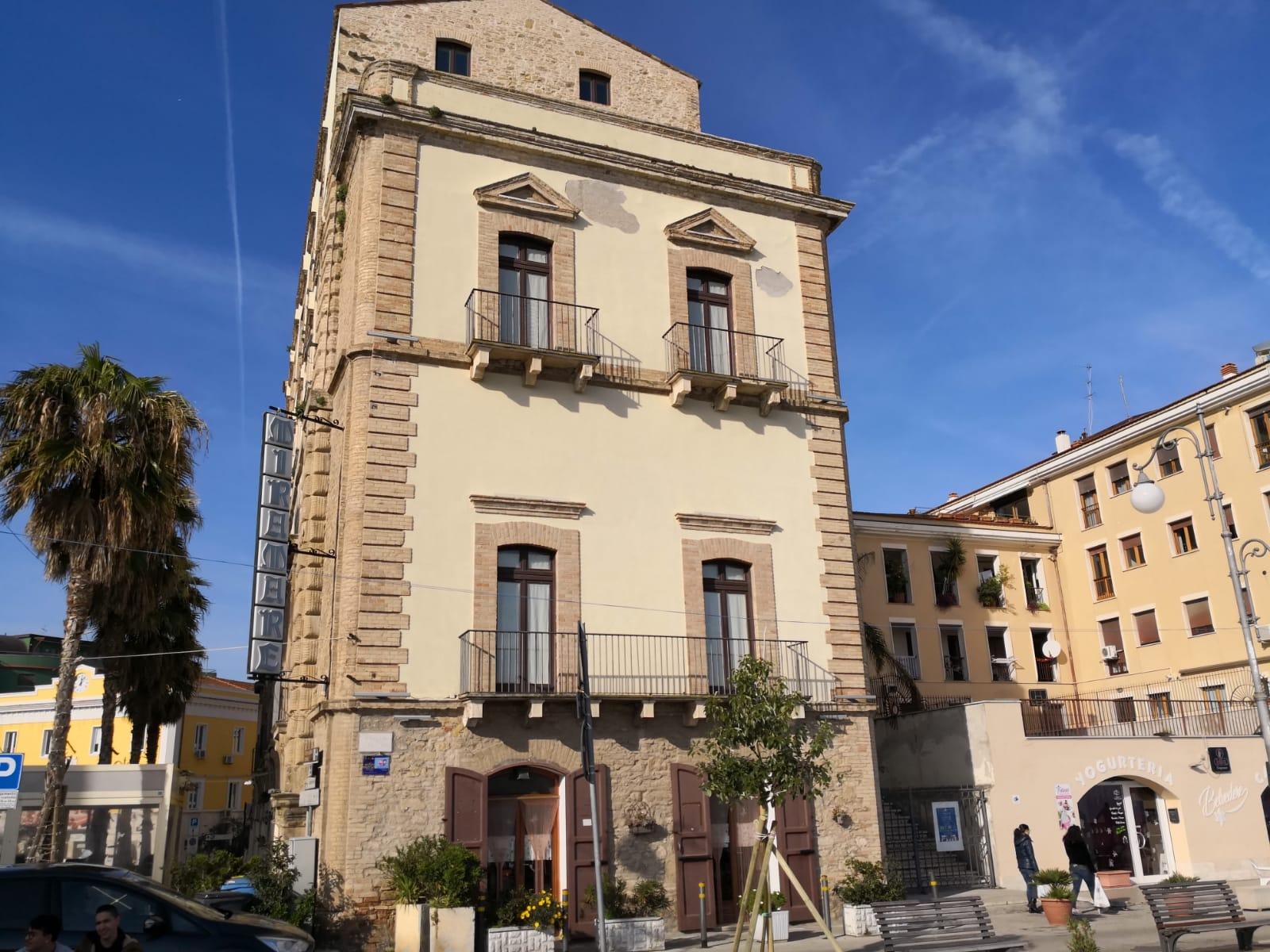 nel sito dell'antica porta del Carbonaro sorge oggi Palazzo Farnese