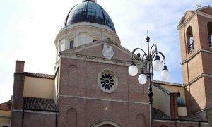 Cattedrale Santommaso - facciata della chiesa