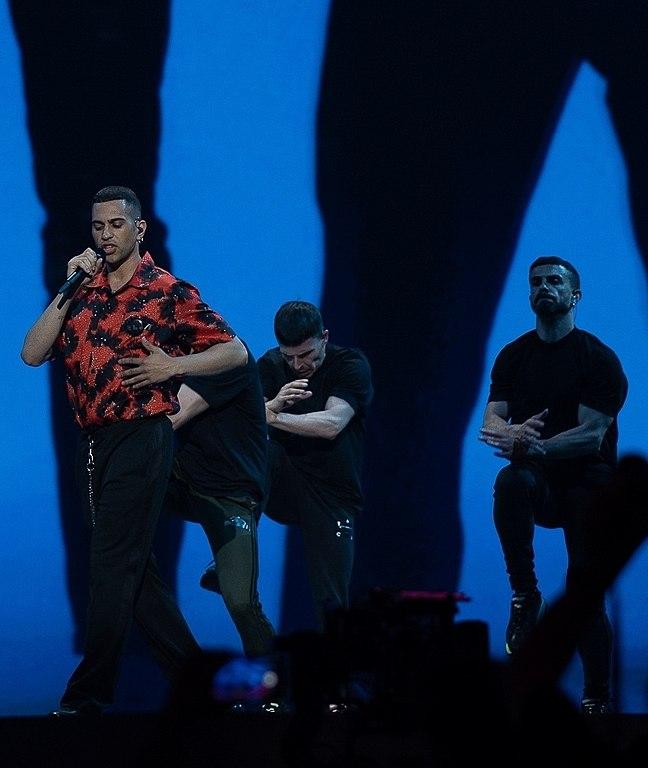 Mahmood sul palco all' Eurofestival