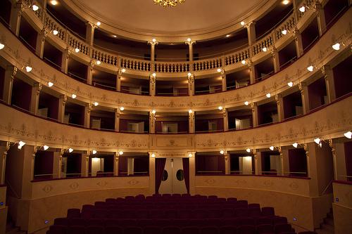 L'interno del Teatro Tosti di Ortona
