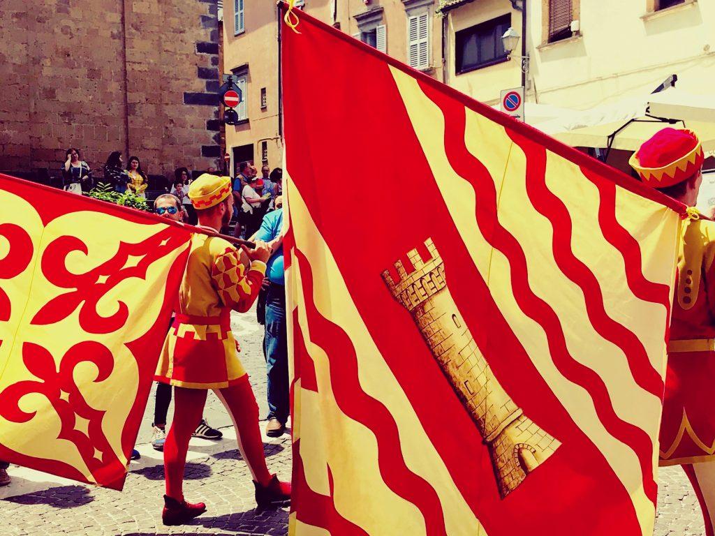 Il Corpus Domini - Gli sbandieratori del corteo