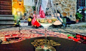 Cantine Sonore - Bicchiere di vino