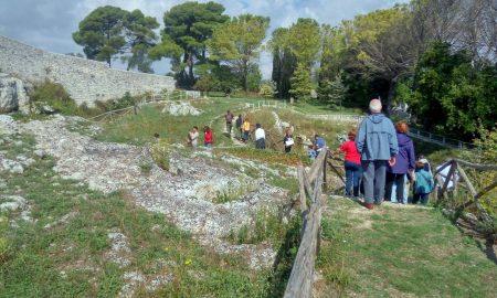La visita al sito di Akrai promossa da Archeoclub Palazzolo Acreide