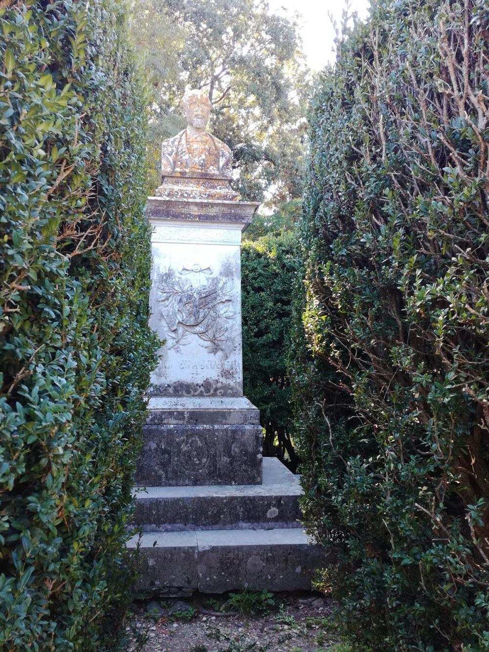 Il monumento al barone Bibbia a palazzolo acreide