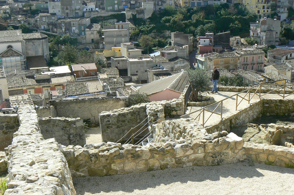 I ruderi del Castello medievale di Palazzolo Acreide