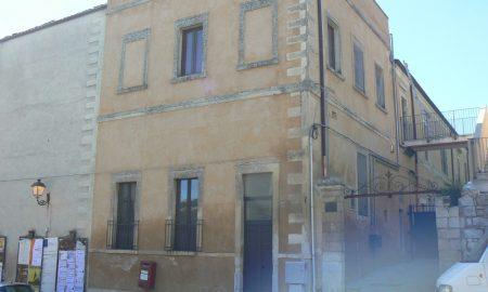 Il complesso Vaccaro di piano Acre a Palazzolo