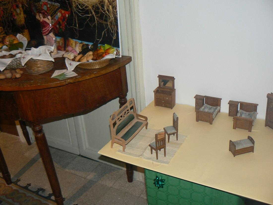 Alcuni giocattoli della collezione Uccello
