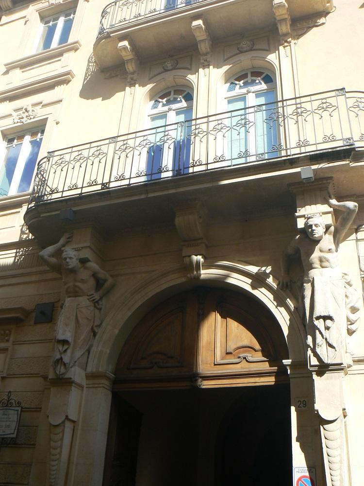 Palazzo Sardo in via San Sebastiano