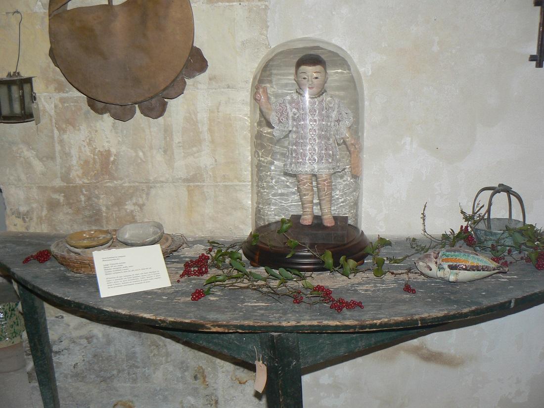 Bambinello in cera alla casa museo di Palazzolo