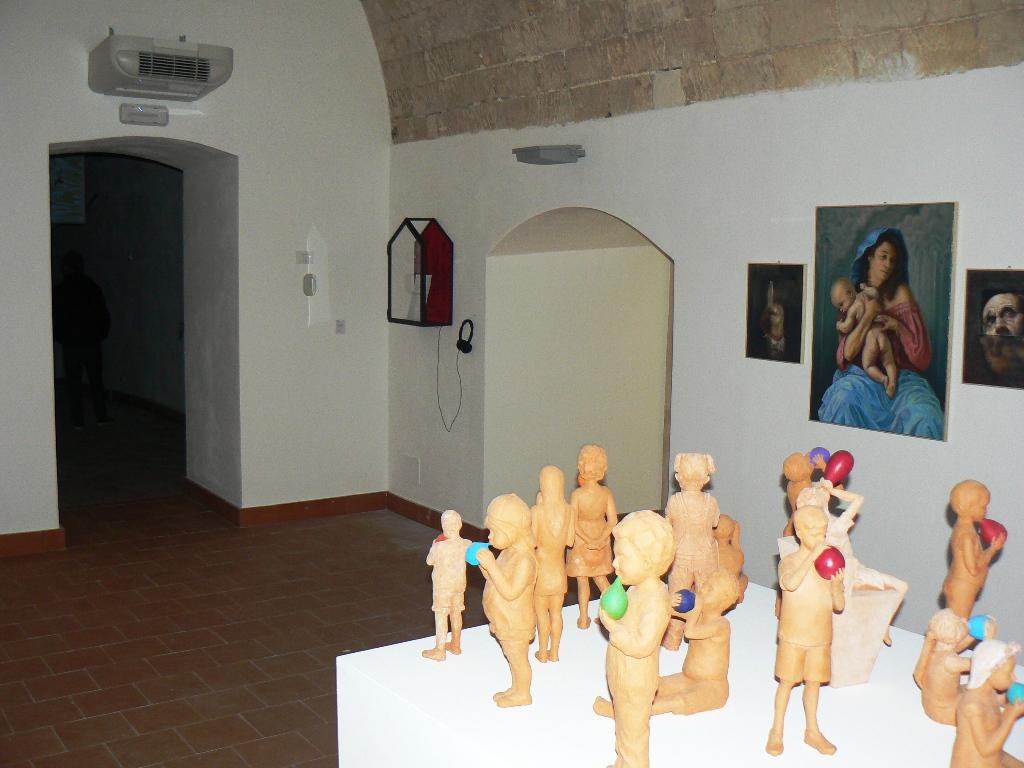 Particolare della mostra al complesso Vaccaro di Palazzolo Acreide