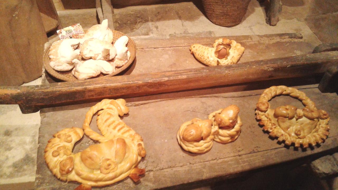 Il pane votivo della Pasqua alla Casa museo di Palazzolo