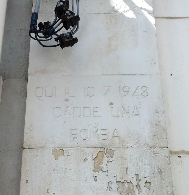 Iscrizione sul bombardamento a Palazzolo