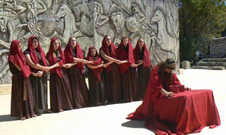 Una delle scuole partecipanti al Festival dei giovani di Palazzolo