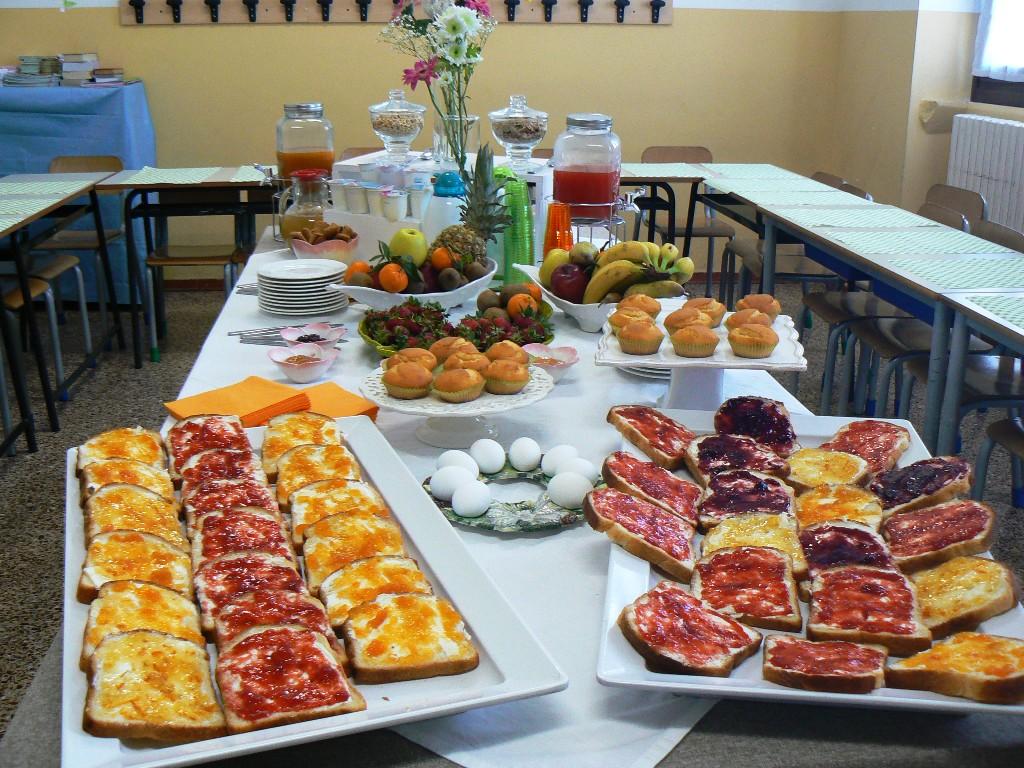 La colazione italiana preparata dalle insegnanti