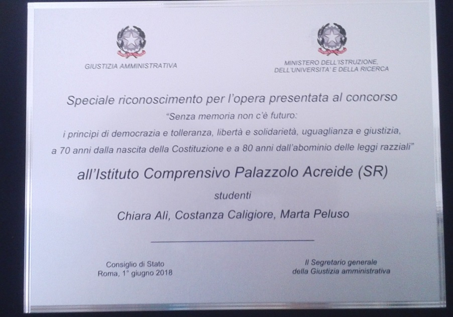La targa donata alle alunne di Palazzolo