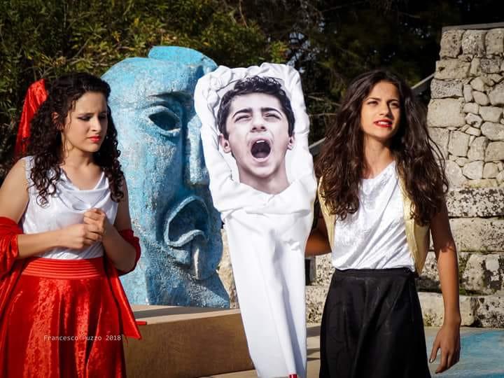 Gli studenti di scena a Palazzolo in Baccanti