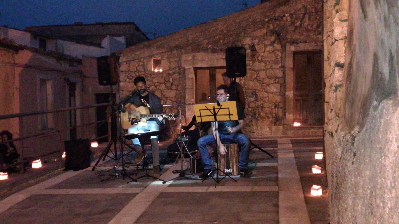 L'esibizione di Alessandro e Marco Caldarella