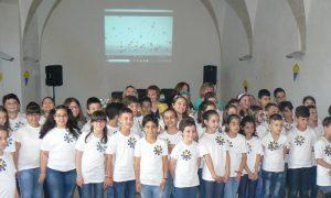 Gli alunni del plesso D'Albergo alla presentazione del libro