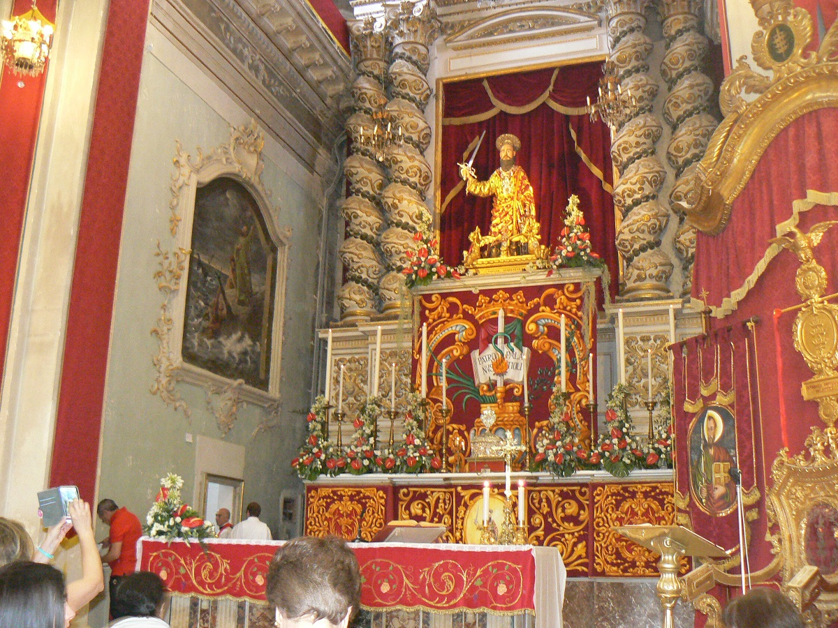 San Paolo dentro la chiesa