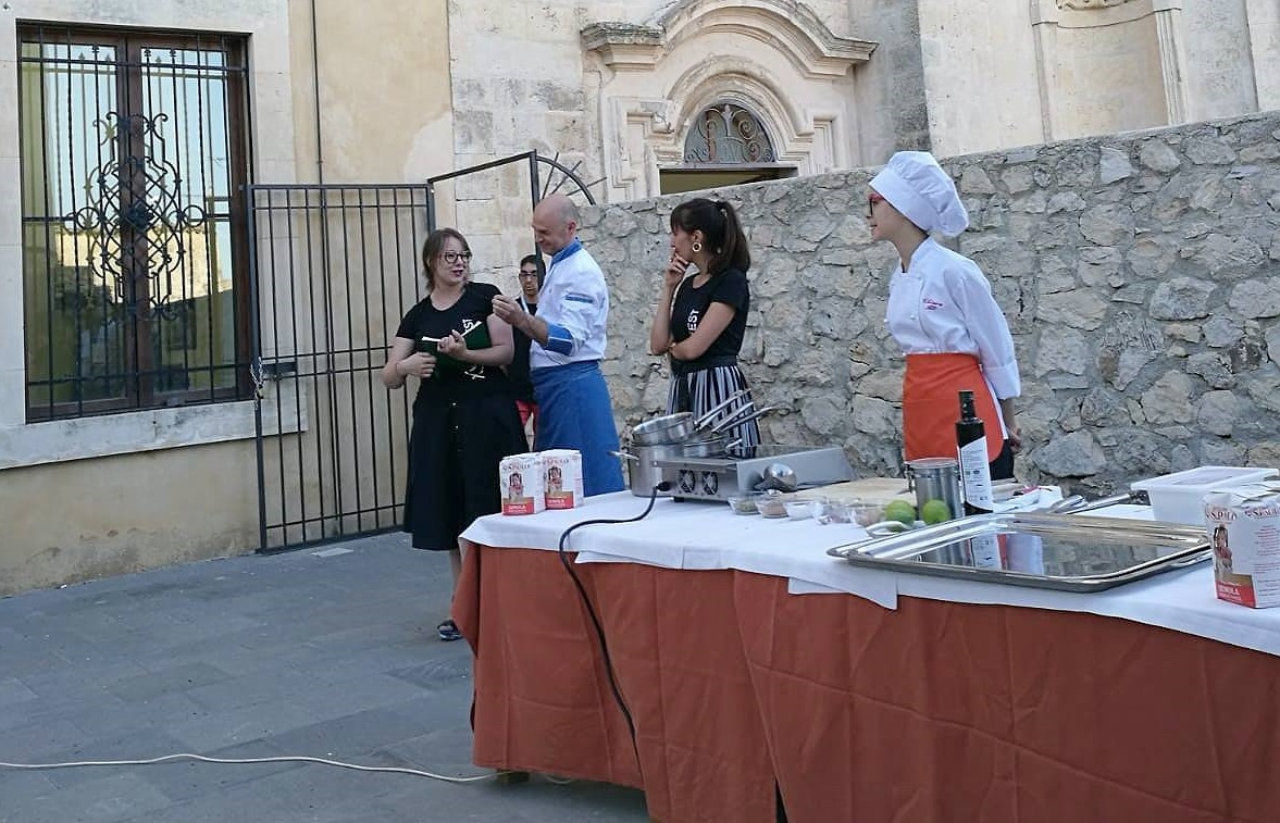 La presentazione dei piatti realizzati da Alì