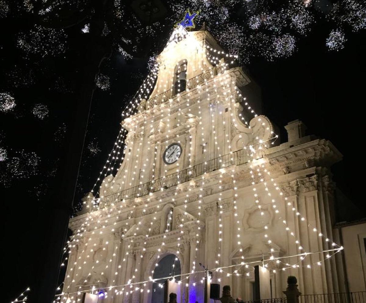 l'albero di luci a san sebastiano