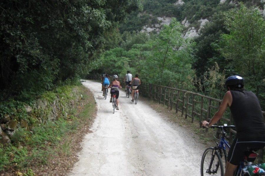 Pista ciclabile nella Valle dell'Anapo