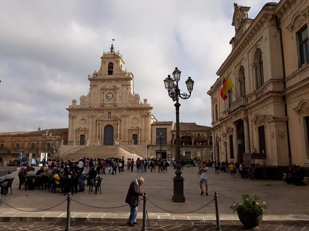 Treno storico del gusto - centro storico di Palazzolo Acreide