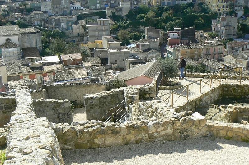 Castello Palazzolo - il borgo dei borghi