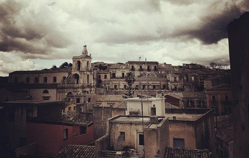 Palazzolo Veduta in bianco e nero - Il Borgo dei borghi