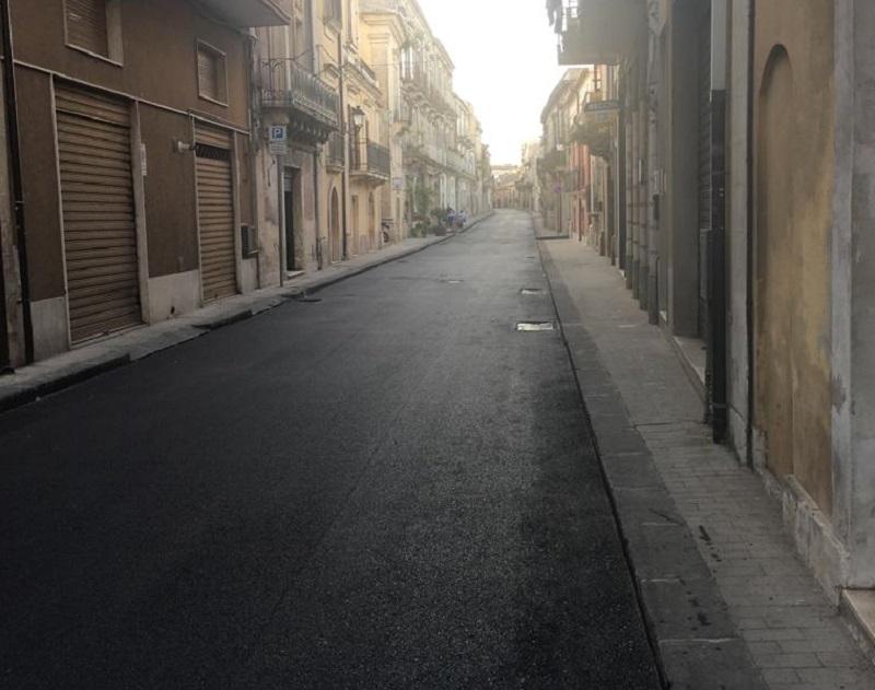 Via Garibaldi a Palazzolo, tra le strade dove sono stati realizzati i lavori