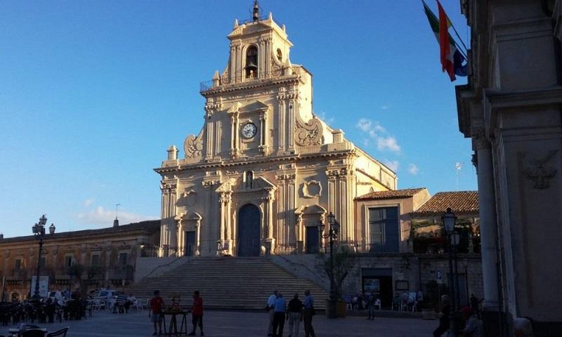 Nella Basilica di San Sebastiano si trova la statua di Maria Ss Odigitria